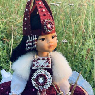 Уникальная кукла в национальном наряде