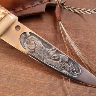 Якутский нож с рельефной композицией